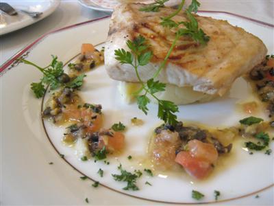 白身魚のグリル ラビゴットソース