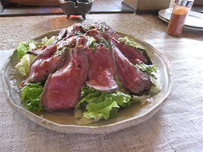石窯ローストビーフのサラダ