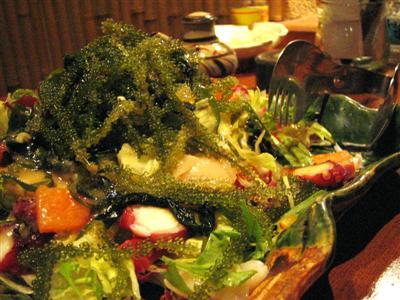 海ぶどうと鮮魚の豪華!海人サラダ