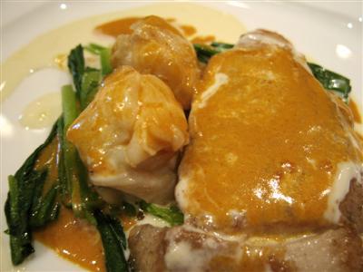 鮮魚と伊勢海老2色のクリームソース