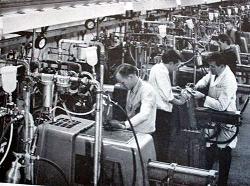 実際の工場内の自動ダイカストマシン[18]
