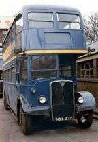 実際のRLH社製通勤用青バス[4]