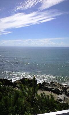碑文からの海景色