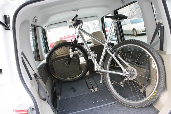 自転車の ハッチ 自転車 : ... 自転車(マウンテンバイク)を