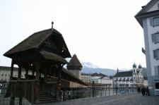 ルツェルンにあるヨーロッパ最古の木造橋14世紀建立