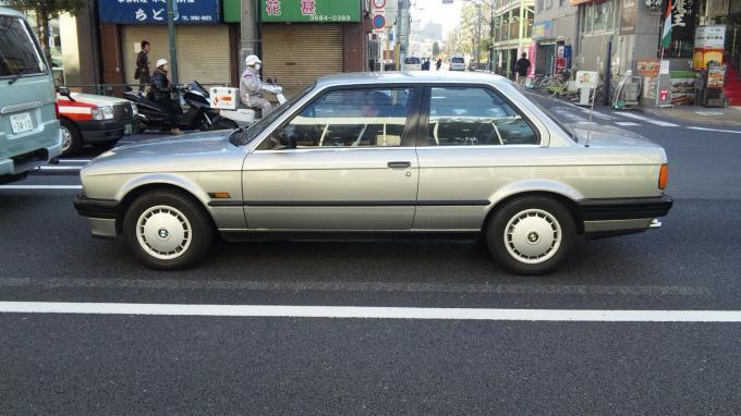 BMW 320i_20110311