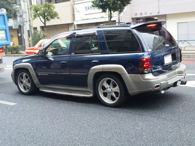 CHEVROET_TRAILBLAZER_20110212