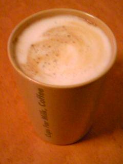 ネスカフェ・バリスタでつくったカフェラテ