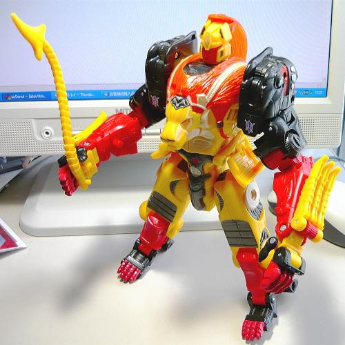 レーザークロー02