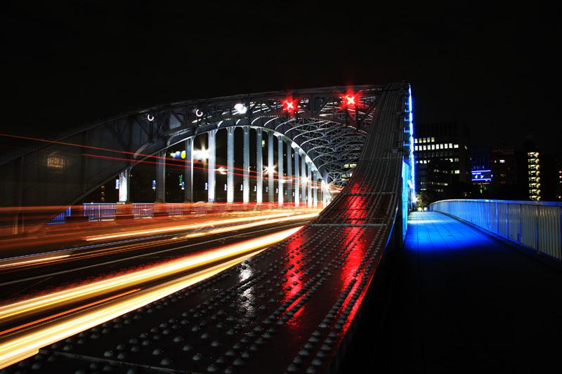 永代橋と光跡
