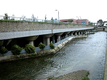 水害防止のため、色々な工夫がされている。