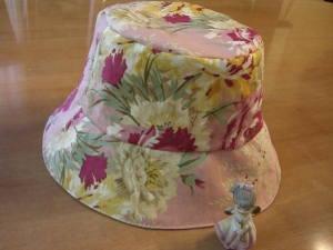 ピンク帽子