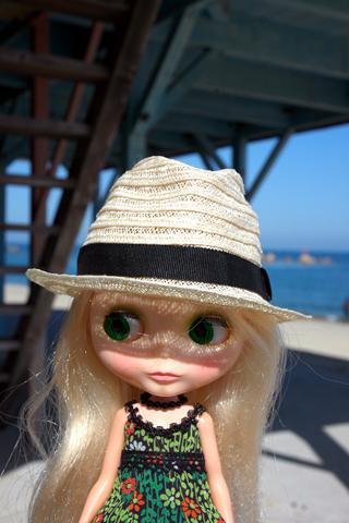 hat,sea,blythe