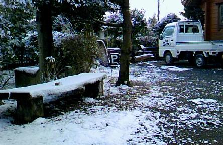 09.雪~駐車場。