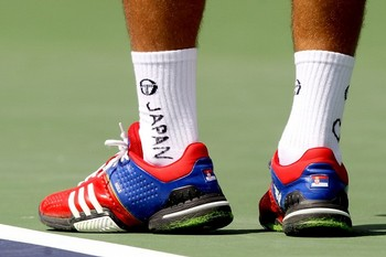 Djokovic-Japan-support3.jpg
