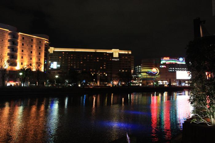 春吉から撮った中洲・キャナルシティの夜景
