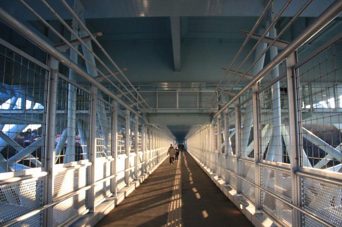 新西海橋歩行者専用道路