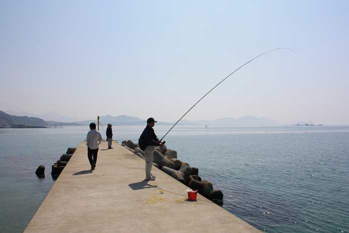 野北漁港の釣り人