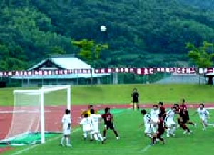 02 Jul 06 - Fagiano Okayama on the attack against FC Central