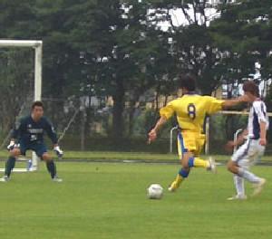 02 Jul 06 - Furukawa's Akihiro Sanpei about to release a no doubt venomous shot against Kureha