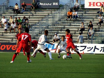 02 Jul 06 - FC Ryukyu in white, on the way to defeat against Honda FC