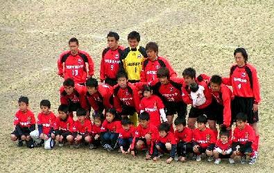 04 Apr 06 -  Arte Takasaki line up before their match on the beach against Sagawa Printing