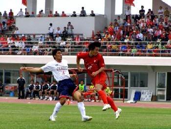 04 Jun 06 - On the way to defeat and the bottom of the JFL, Honda Lock attack Sagawa Printing