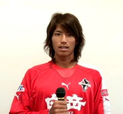 05 Nov 06 - Oh dear oh dear oh dear. Rosso Kumamoto's Daisuke Yano