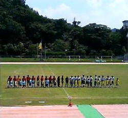 06 Aug 06 - FC Central and Hitachi line up before their Chugoku League match