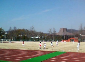 06 Mar 06 - Mizushima in red take on JFL hopefuls SC Tottori