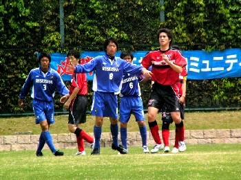 06 May 07 - Riseisha in blue line up against Takada FC