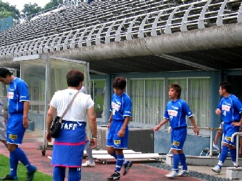07 Jul 06 - Kanto Leaguers Hanno Bruder dash enthusiastically out onto the pitch before their Shakaijin qualification match with Hitachi Tochigi Uva. They did actually win in the end