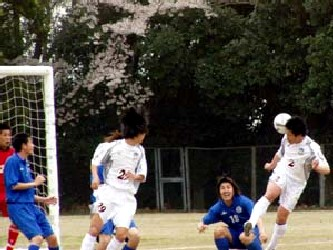 10 Apr 06 - Kamatamare Sanuki on the attack at Ventana AC
