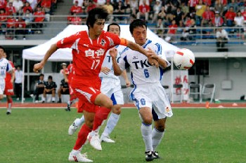 09 Aug 07 - Rosso and Tochigi battle it out