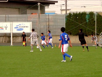 10 Apr 07 - It's Granscena Niigata on the attack against Toyama Shinjo, of course