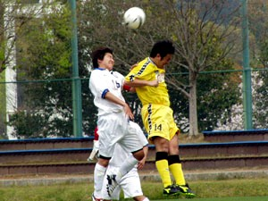 10 Apr 07 - Ventana in white battle their way to a win over Shimanami