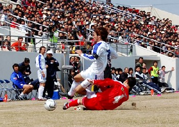 10 Apr 07 - The Ishikawa derby - Zweigen Kanazawa in red against Fervorosa