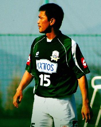 10 Nov 06 - FC Gifu's ex-Nagoya Grampus 8 hero, Yasuyuki Moriyama