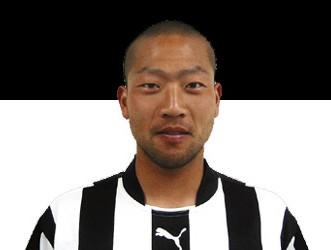 15 Nov 05 - Shizuoka FC top scorer Masakia Saito