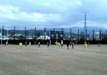 12 Nov 06 - The unmistakeable sight of LionPower Komatsu getting done over