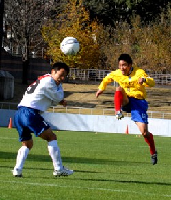 12 Nov 06 - The ballet of the beautiful game. Tochigi against FC Kariya