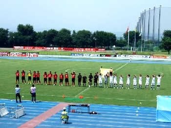 14 Aug 07 - Pre-match line-up for Arte Takasaki and TDK