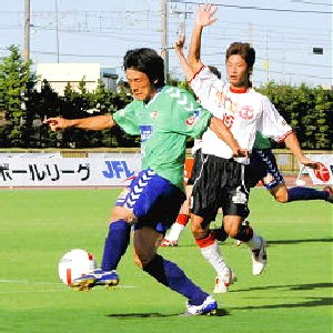 14 Aug 07 - Gainare Tottori on the way to a home defeat from Mitsubishi