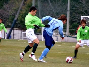 14 Mar 07 - FC Kariya and Yokohama FC, all in a tangle
