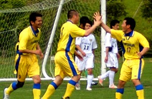 14 May 07 - Furukawa Battery go wild after their goal against Sendai Nakata