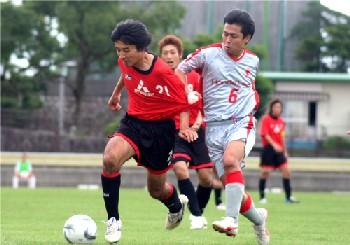 16 Jul 07 - Mitsubishi Nagasaki scrap it out with those dreadful cheats Honda Lock