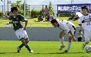 17 Jun 07 - Action from the Morioka derby as Zebra host Grulla
