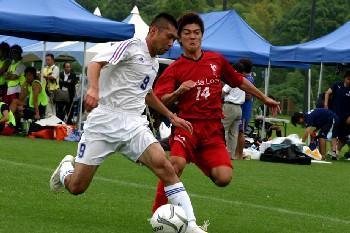 17 Jun 07 - Kumamoto Teachers in white battle it out with Honda Lock