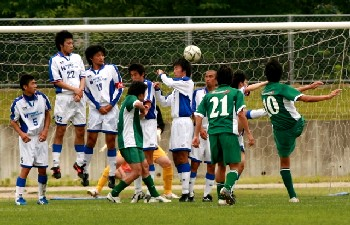 18 Jun 06 - Kasugai bam a free kick in against Mind House