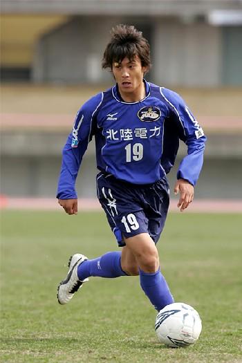 18 Nov 06 - Kazuma Matsushita, match-winner for Alo's Hokuriku